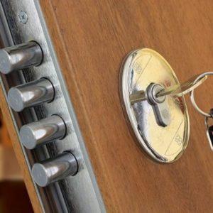 Durų priedai